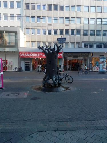 Karlsruher Brunnen-Sculpture-Kaiserstrasse