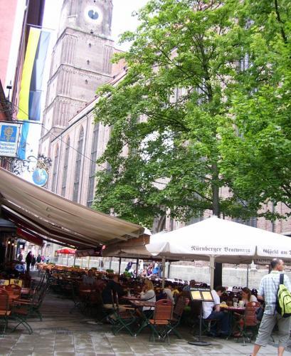 Muenchen-Kneipen-Kaufingerstrasse