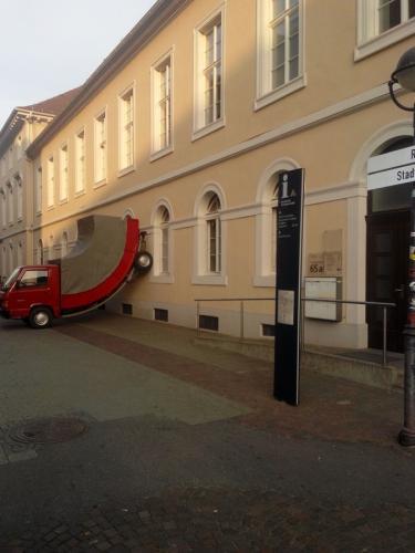 Karlsruhe Zentrum-Lieferwagen- ZKM Museum