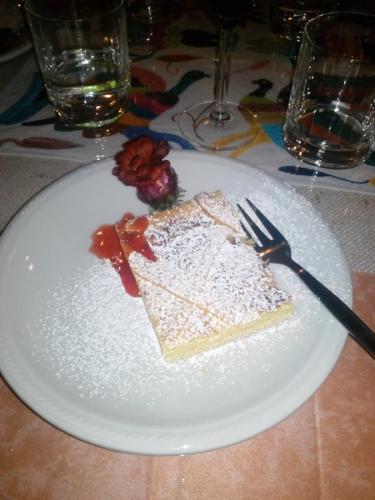 lemon-cake-lafrancescaresort