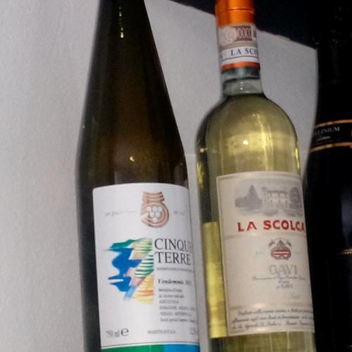 wine-tasting-lafrancescaresort