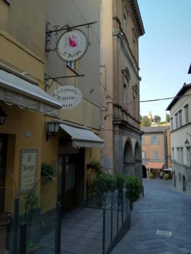 Guesthouse - Ristorante e Pizzeria Il Borgo